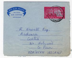 GB-LONDON: 1962 AIRLETTER TO NORTHERN IRELAND WITH PAQUEBOT POSTMARK.